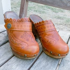ASH Embossed Leather Clogs - 38